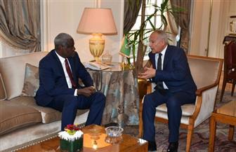 أبو الغيط يبحث مع رئيس مفوضية الاتحاد الإفريقي سبل دعم التعاون