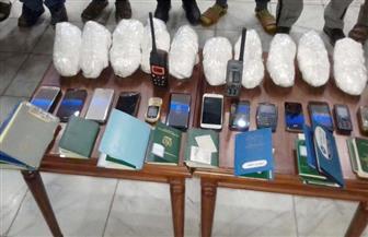 """حبس 10 مهربين عثر بحوزتهم على 10 كيلو من مادة """"آيس أمفيتامين"""" بمياه سفاجا"""