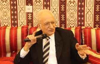 جامعة طنطا تكرم الدكتور محمود فهمي حجازي بمناسبة اليوم العالمي للغة العربية