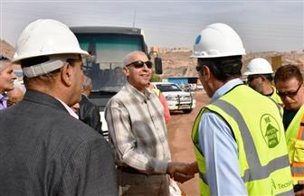 محافظ أسوان يتفقد إنشاءات مصنع الأسمدة بتكلفة 11 مليون جنيه