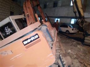 انتشال حفار سقط في حفرة بمشروع صرف مستشفى بسيون المركزي| صور