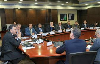 """وزير النقل يجتمع مع """"ألستوم"""" العالمية لمتابعة تحديث نظم الإشارات على خط """"بني سويف /أسيوط"""""""