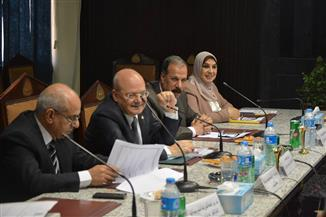 رئيس جامعة الزقازيق: تنظيم رحلات وزيارات سياحية ومصايف للعاملين