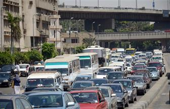 كثافات مرورية بسبب تعطل سيارة نقل بكوبري قليوب وكسر ماسورة مياه بمدينة نصر