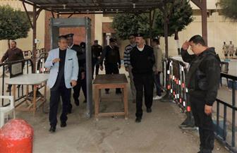 مدير أمن السويس يتفقد قوات تأمين الكنائس بالمحافظة | صور