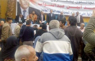 نائب محافظ القاهرة يسلم الباعة عقود باكيات سوق الزواية الحمراء