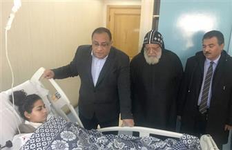 رئيس جامعة حلوان يزور مصابي الكنيسة ويؤجل امتحان كريستين