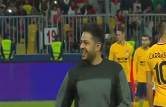 محمد حماقي يطلق ضربة البداية للقاء الأهلي وأتلتيكو مدريد