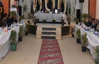 محافظ الشرقية يهنئ المصريين باحتفلات عيد الميلاد ويدعوا للتكاتف خلف القيادة السياسية | صور