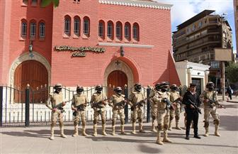 القوات المسلحة والشرطة تكثف جهودها الأمنية بمحيط دور العبادة| صور