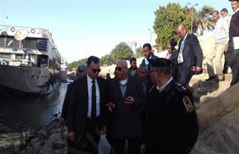 وزير النقل يصل مرسى كوم أمبو  لمتابعة أعمال تكريك وتطوير مجرى النيل الملاحي
