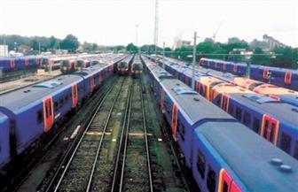 الجارديان: بريطانيا تشهد احتجاجات غدا ضد زيادة أسعار تذاكر القطارات