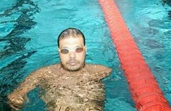 وزير الرياضة يهنئ السباح هانى عبد السلام لفوزه بالميدالية البرونزية