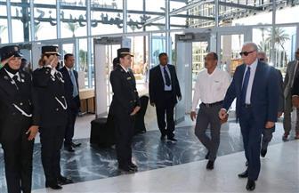 """محافظ جنوب سيناء يتفقد قاعة المؤتمرات استعدادًا لمؤتمر """"الكوميسا"""" بشرم الشيخ"""