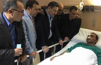 وفد من رؤساء تحرير الصحف المصرية يزور وحيد الرفاعي بمستشفى الصباح بالكويت