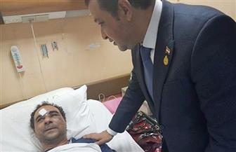 """""""عابد"""" يزور ضحية الاعتداء بالكويت.. ويؤكد: كل الدعم لاستعادة حقه   صور"""