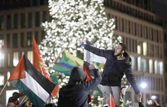 حرق أعلام إسرائيلية خلال احتجاجات ببرلين   صور