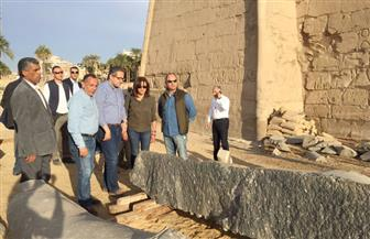 وزير الآثار يتفقد تمثال رمسيس الثاني بمعبد الأقصر   صور