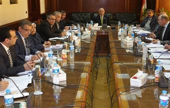 """وزير الري يناقش مع لجنة """"دعم الخطة القومية للموارد المائية"""" معوقات التنفيذ ومؤشرات قياس الأداء"""