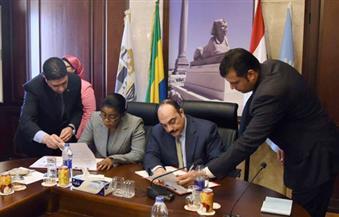 بالصور.. محافظ الإسكندرية يوقع بروتوكول توأمة مع عمدة مدينة ليبرفيل بالجابون