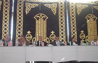 """بالصور.. محافظ الفيوم ومدير الأمن يشاركان في جلسة صلح بين أفراد عائلة """"شاهين"""" لإنهاء خصومة ثأرية"""