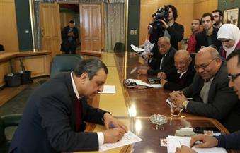 يحيي قلاش يتقدم بأوراق ترشحه نقيبًا للصحفيين