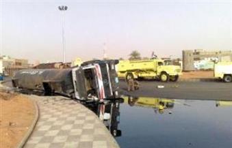 انقلاب شاحنة محمل بـ 55 طن سولار بالطريق الدائري في الغردقة