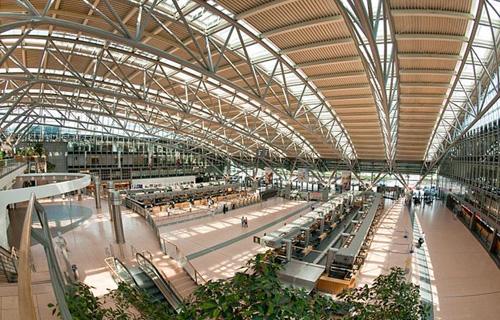 إصابة مطار هامبورج بالشلل بسبب انقطاع التيار الكهربائي -