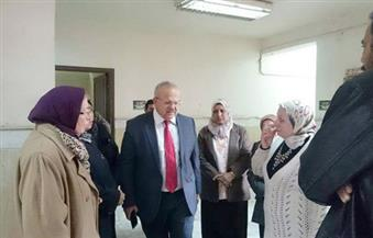 بالصور.. نائب رئيس جامعة القاهرة يتفقد مدينة الطالبات