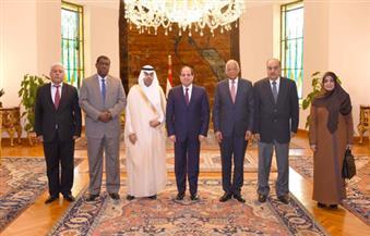السيسي يستقبل مشعل ويؤكد حرص مصر على مساعدة الأشقاء دون التدخل في شئونهم الداخلية