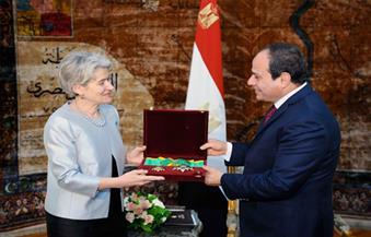 بالصور.. السيسي يستقبل مديرة اليونسكو.. ويؤكد: مصر تمتلك برنامجًا طموحًا للتطوير الثقافي الشامل