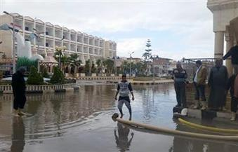 بالصور.. أمطار ثلجية غزيرة تحول شوارع مدن وقري كفر الشيخ إلى برك من الأوحال