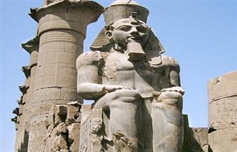"""مدير آثار الأقصر: """"اليونسكو"""" يشيد بأعمال الترميم المصرية لأحد تماثيل الملك رمسيس"""