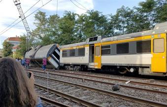 مقتل شخص وإصابة 20 آخرين إثر انحراف قطار عن مساره في بلجيكا