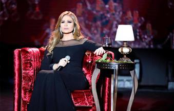 خلال حفلها بقصر المؤتمرات.. كارول سماحة تفاجئ جمهورها بأجواء رومانسية وغناء بالإسبانية