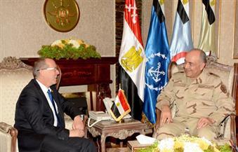 الفريق محمود حجازي رئيس أركان حرب القوات المسلحة يلتقي مارتن كوبلر المبعوث الأممي لدعم ليبيا