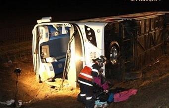 """مصرع شخص وإصابة آخر في حادث انقلاب سيارة نقل بطريق """"السويس ـ القاهرة"""""""
