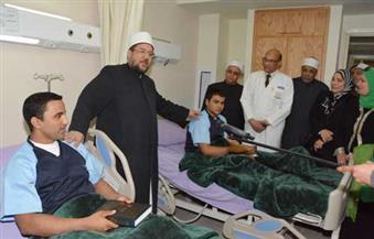 بالصور.. وزير الأوقاف وعدد من رجال الدين والإعلاميين يزورون مصابي القوات المسلحة