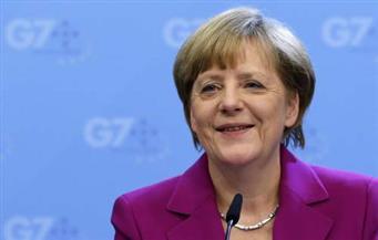 """ميركل تحذر من انهيار الهياكل السياسية الدولية وتثمن دور """"ناتو"""""""
