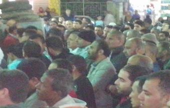 بالصور.. جمعة وعبدالحفيظ وسليمان أول الحضور لصلاة الجنازة على والد أبوتريكة