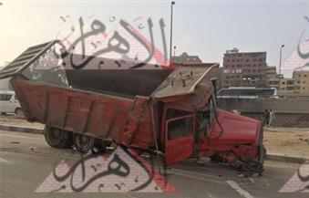 انقلاب سيارة نقل محملة بالرمال بمطلع كوبري الجيش يؤدي إلى حدوث كثافات مرورية