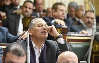 السادات يُغادر البرلمان ولا ينتظر نتيجة التصويت على إسقاطه.. ويؤكد: تقرير التشريعية فيه لَبْس