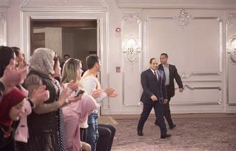 ننشر تفاصيل الزيارة المفاجئة للسيسي لطلبة البرنامج الرئاسي وحديثه حول أحداث العريش