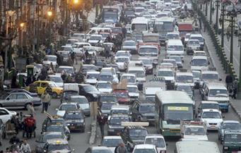 النشرة المرورية.. بطء سير السيارات وكثافات عالية في ساعة الذروة الصباحية بالقاهرة والجيزة