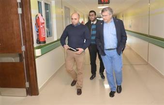 بالصور.. عميد معهد الأورام بسويسرا يزور مستشفى الأورام بالأقصر