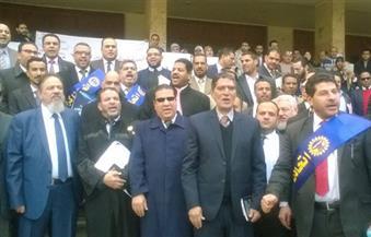 وقفة احتجاجية للمحامين على سلالم محكمة شمال القاهرة