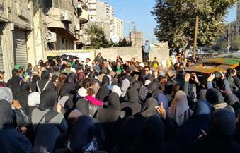 """بالصور.. الإسكندرية تودع جثامين 3 أشقاء من ضحايا أتوبيس """"نويبع"""""""