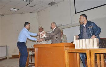 بالصور.. رئيس جامعة كفر الشيخ يلتقي الطلاب المشاركين في دورة التربية العسكرية