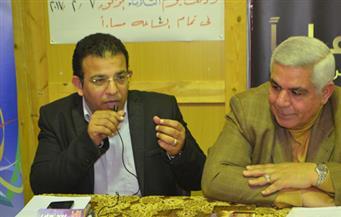 """بالصور.. محمد مندور في توقيع """"ديانة القاهرة"""": المصريون لم تفرقهم انتماءاتهم العقائدية"""