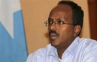 """رئيس  الصومال فارماجو""""  يؤدى اليمين بالمطار"""